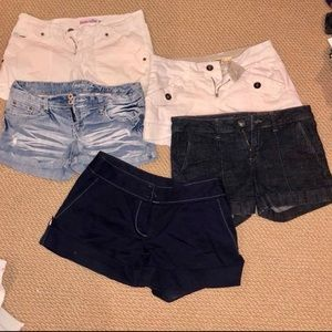 ✅SOLD Set of Women's size 7 shorts